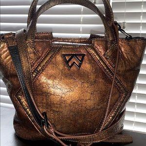 Kelly wynne medium sized purse